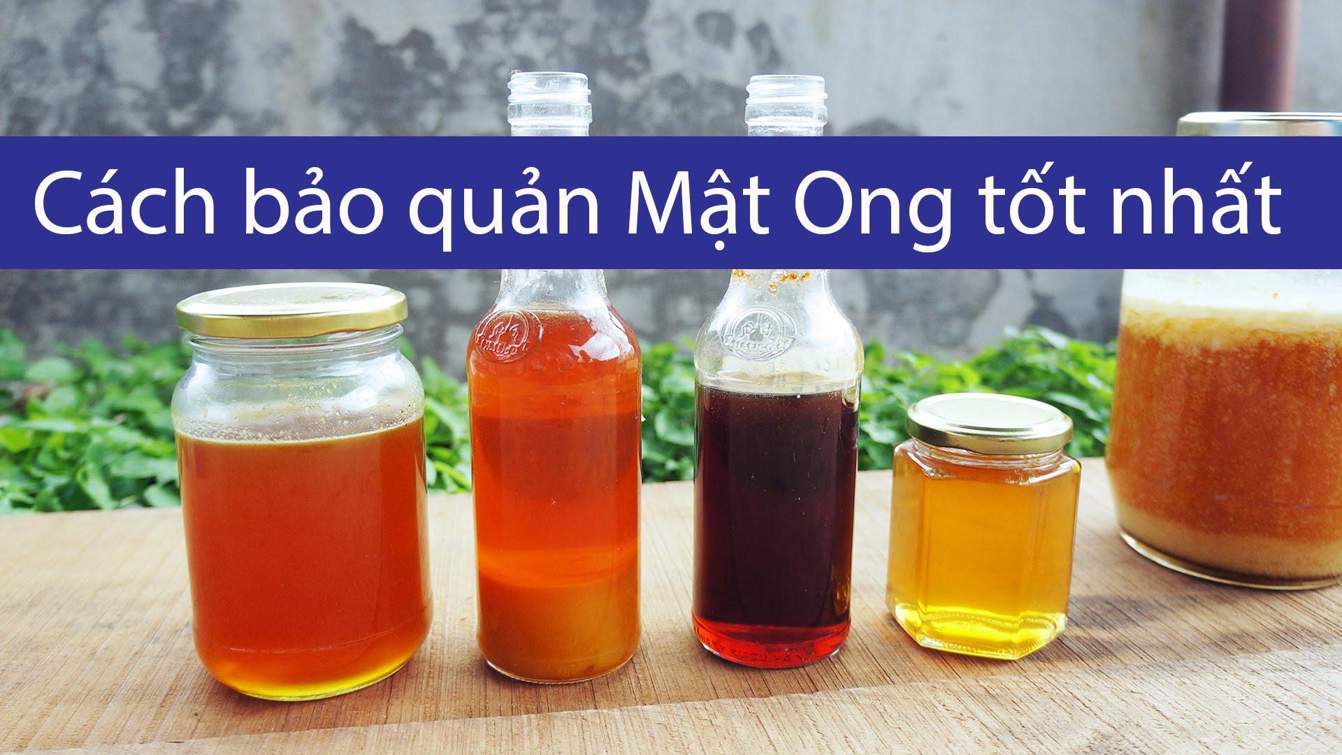 Bình thủy tinh hay bình nhựa đều có thể sử dụng để đựng mật ong