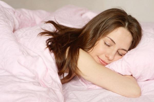 Ngủ ngon hơn khi sử dụng mật ong.
