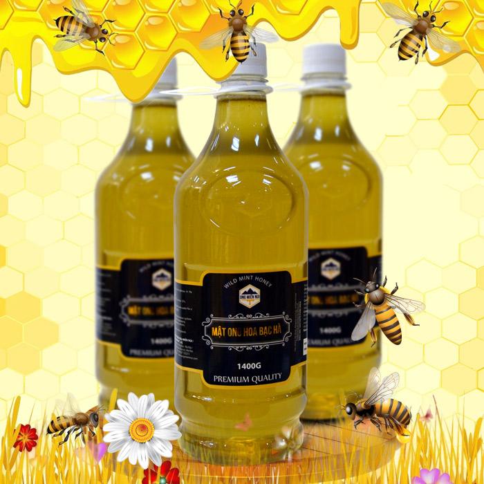 Mật ong hoa rừng bạc hà 1400g (Chai nhựa) MO004