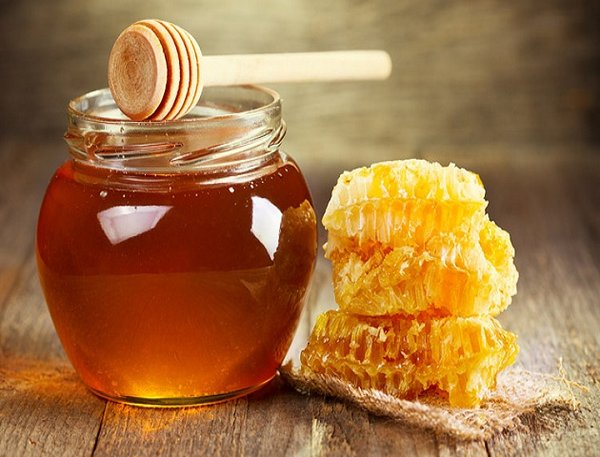 Tác dụng của việc sử dụng mật ong trước khi ngủ