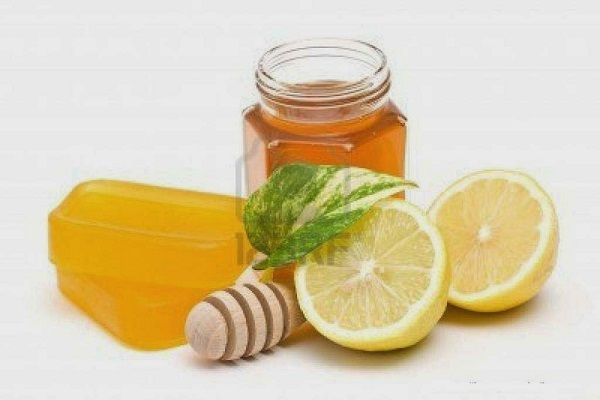 nước mật ong và chanh trị ho hiệu quả