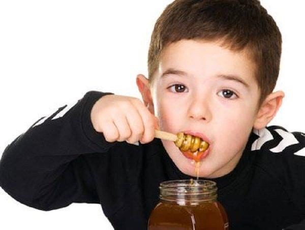 sử dụng mật ong có gây béo phì ở trẻ không